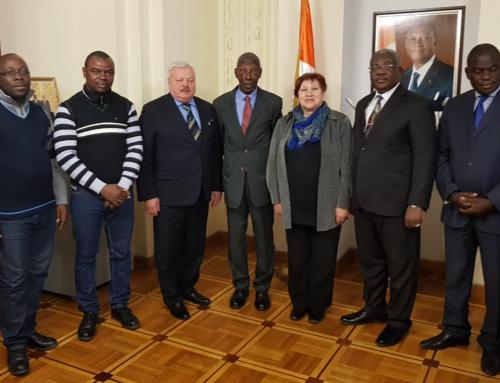 Photo d'ensemble à l'ambassade avec nos partenaires Russe et notre ambassadeur